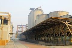 Övergiven fabrik Arkivbild