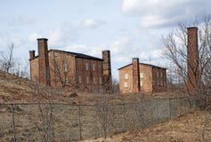 Övergiven fabrik för tegelstenarbete Arkivfoton