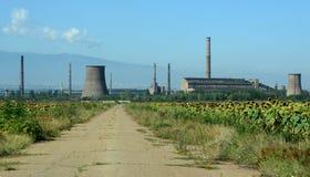 Övergiven fabrik för tillverkningen av metaller i Bulgarien Royaltyfria Bilder