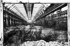 övergiven fabrik gammala milan Arkivfoton