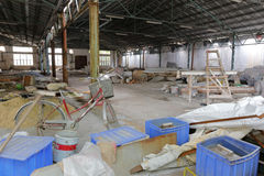 Övergiven fabrik i den redtory idérika trädgården, guangzhou, porslin Royaltyfri Foto