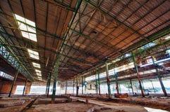 Övergiven fabrik med cancerframkallande avfalls Royaltyfri Foto