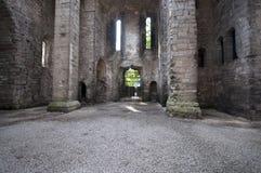 övergiven forntida kyrka Royaltyfria Bilder