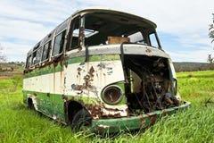 Övergiven gammal buss royaltyfri fotografi
