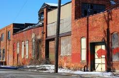 Övergiven gammal fabrik under konkurs i Detroit Fotografering för Bildbyråer