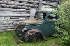 övergiven gammal lastbil Royaltyfri Foto