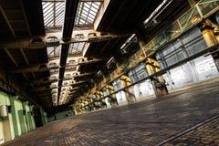 Övergiven gammal medelreparationsstation, inre Fotografering för Bildbyråer