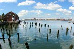 övergiven hamnplats Arkivbilder
