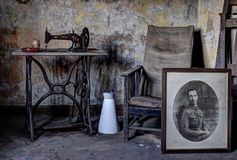 Övergiven hustillhörigheter Arkivfoto