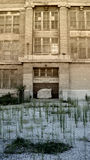 övergiven inre skola för stad Royaltyfria Foton