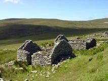 övergiven irländsk by Arkivfoto