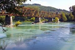 Övergiven järnvägbro Arkivbilder
