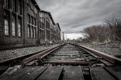 Övergiven järnvägsstation nära Duisburg Arkivfoto