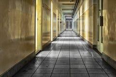 Övergiven korridor arkivfoton