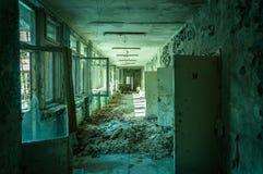 Övergiven korridor i pripyat royaltyfria foton