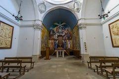 Övergiven kyrka någonstans i Spanien Arkivfoto