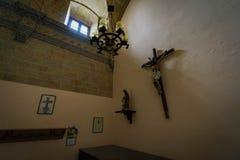 Övergiven kyrka någonstans i Spanien Royaltyfri Bild