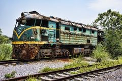 Övergiven lokomotiv på järnvägsstationen i Guilin, Guangxi Provi arkivbild