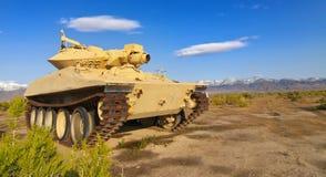 övergiven militär behållare Arkivfoto