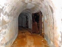 Övergiven militär tunnel 2 Arkivbild