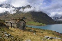 övergiven mont för baitacenisfrance lake Royaltyfri Foto