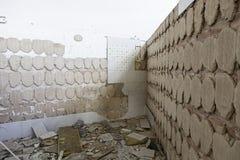 Övergiven och övergiven byggnad Arkivfoto