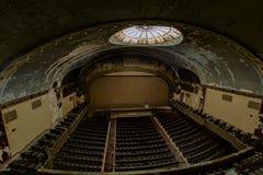 Övergiven och historisk Irem tempelteater för Shriners - Wilkes-Barre, Pennsylvania royaltyfri bild