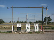 övergiven petrolstation Royaltyfria Bilder