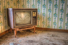 Övergiven Retro television Arkivbild
