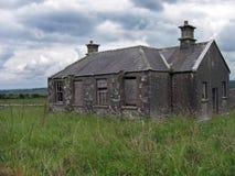 övergiven schoolhouse Arkivbild