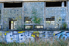 Övergiven sovjetisk fabrik Svetlana i StPetersburg, Ryssland Royaltyfri Foto