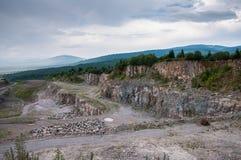 Övergiven stengrop, villebråd i Transylvania, Rumänien Royaltyfri Bild