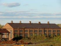 övergiven tegelstenbyggnadsfabrik Royaltyfria Bilder