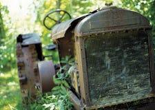 övergiven traktor Arkivbild