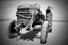övergiven traktor Royaltyfri Bild