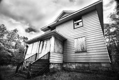 övergivet brutet ner hus Royaltyfri Fotografi
