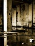övergivet byggande lager Arkivfoto