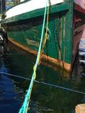 Övergivet fartyg som är klart för reparationer - lodlinje Royaltyfri Fotografi
