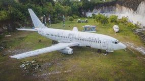 övergivet flygplan arkivfoto