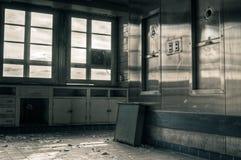 övergivet industriellt kök Arkivbild