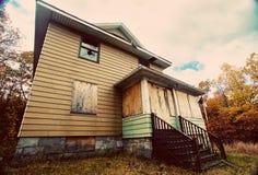 övergivet spökat hus Royaltyfri Bild