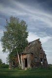 övergivet spökat hus arkivbilder