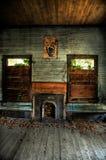 övergivet vardagsrum arkivbild