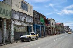 Övergivna byggnader i kolonet Panama Arkivfoton
