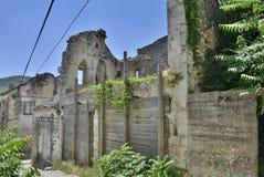 Övergivna byggnader i Trebinje Arkivbilder
