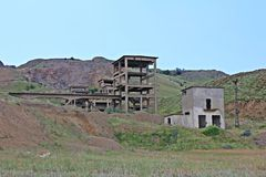 Övergivna industriella byggnader Arkivbild