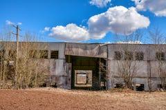 Övergivna industriella byggnader bygd Arkivbild