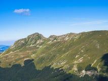 Överkant av berget i sommar Fotografering för Bildbyråer
