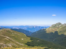 Överkant av berget i sommar Royaltyfri Fotografi