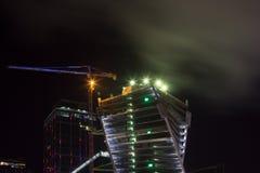 Överkant av ckyskraper på natten Fotografering för Bildbyråer